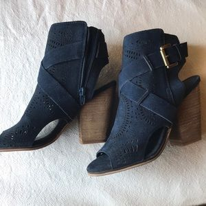 MAKE AN OFFER! Navy peep toe suede booties